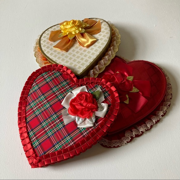 Vintage set of 3 Valentine candy heart boxes